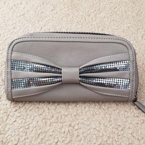 Handbags - Elegant Wallet